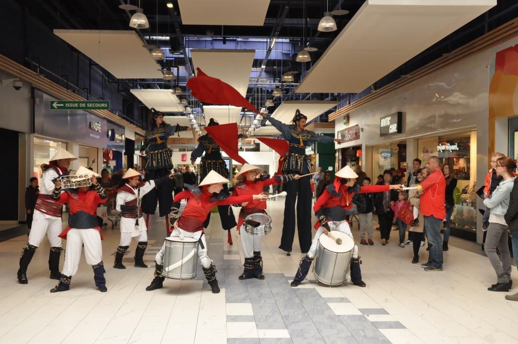 parade cirque et musique samouraïs