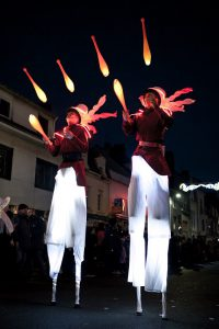 échassiers jongleurs lumineux